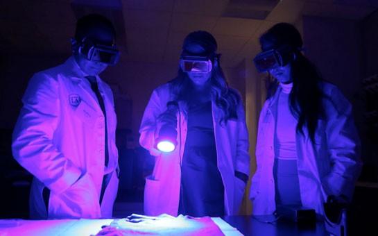 black light lab in Hertzberg-Davis Forensic Science Center